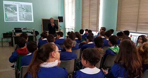 Stop ai rifiuti selvaggi: Monteco promuove un concorso fotografico per le scuole